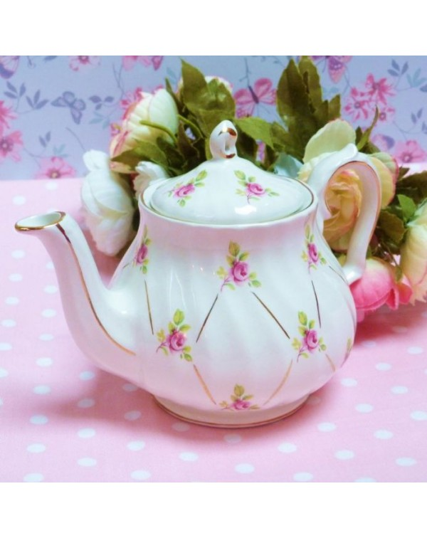 (OUT OF STOCK) SADLER SMALL ROSEBUD VINTAGE TEAPOT